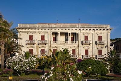 Palazzo Batolo