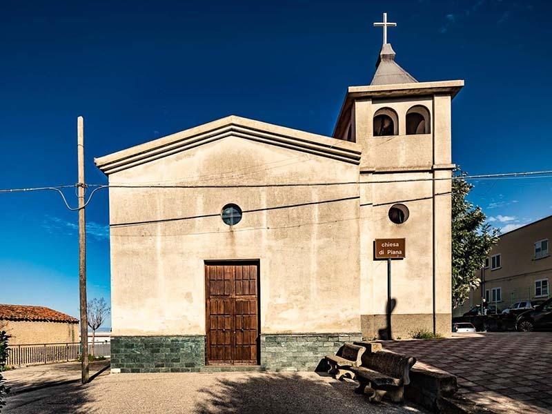Chiesa di Piana