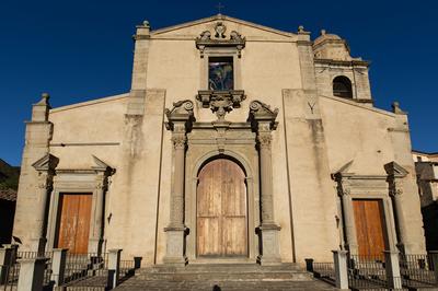 Chiesa del SS. Salvatore e Museo di Arte sacra