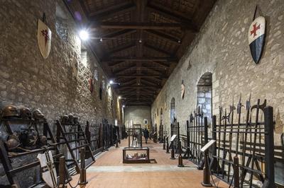 Museo delle armi bianche e degli antichi strumenti musicali