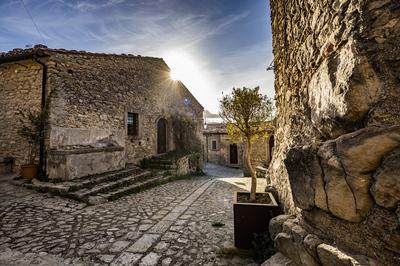 Viuzze del centro storico di Montalbano Elicona